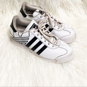 Adidas superstar white with black stripes sneakers